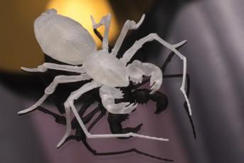 Hellboy mecha-glove 'Scorpion Cage'